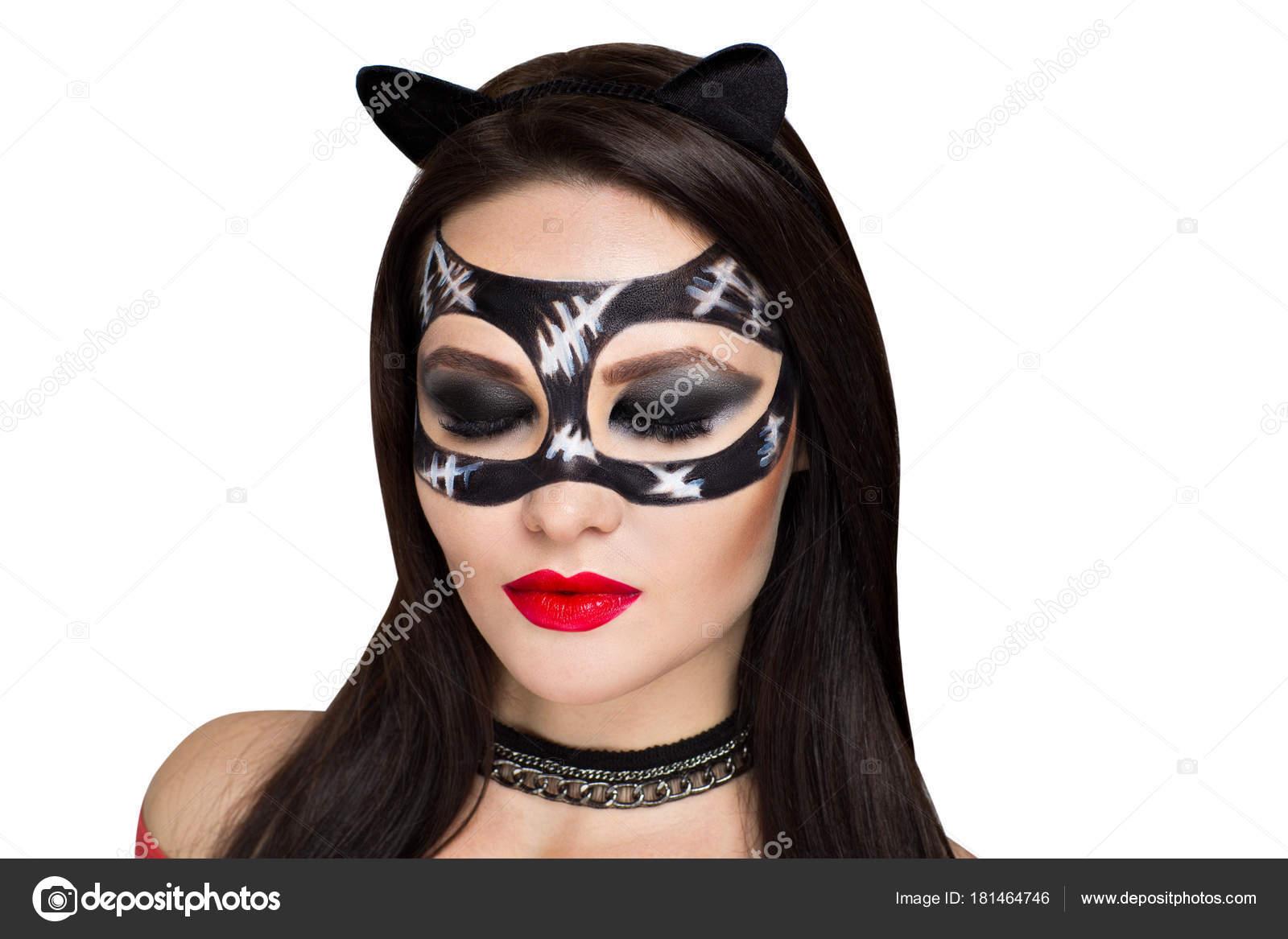 Как сделать маску женщины кошки фото 749