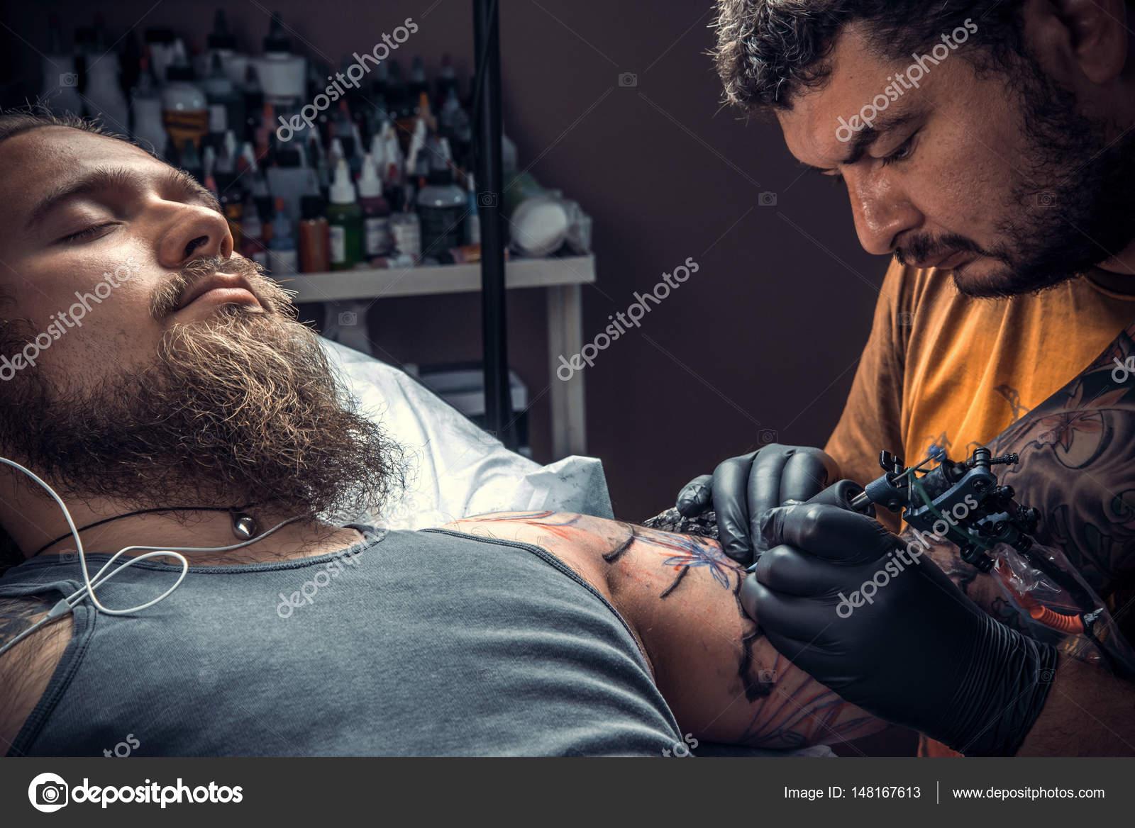 Profesjonalnych Tatuażysta Tatuaż Tatuaż Kosmetyczny