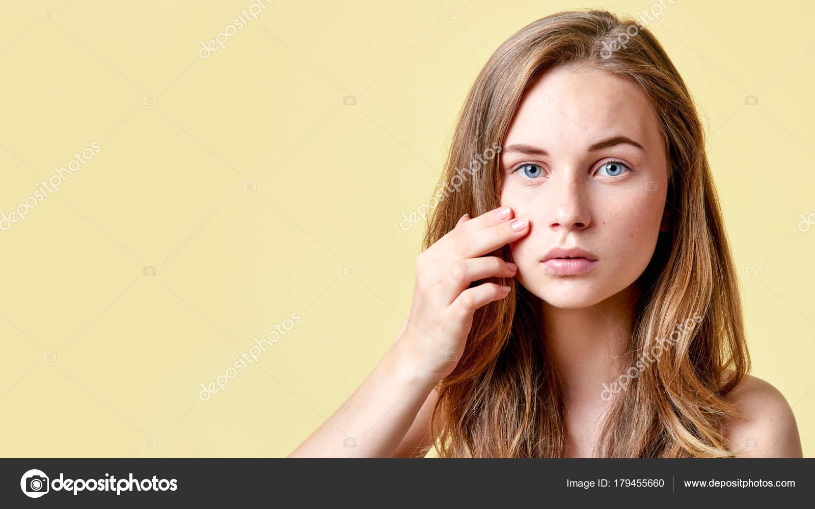 tini meztelen lány képek