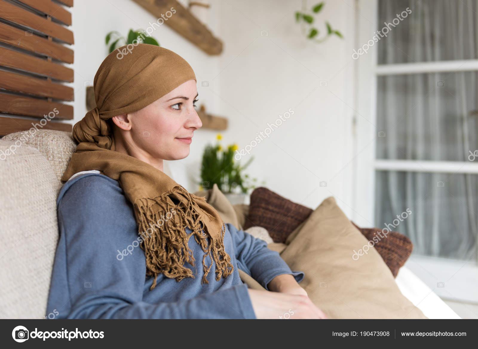 chlena-smotret-zhenshin-rakom-zrelaya-obvisshey