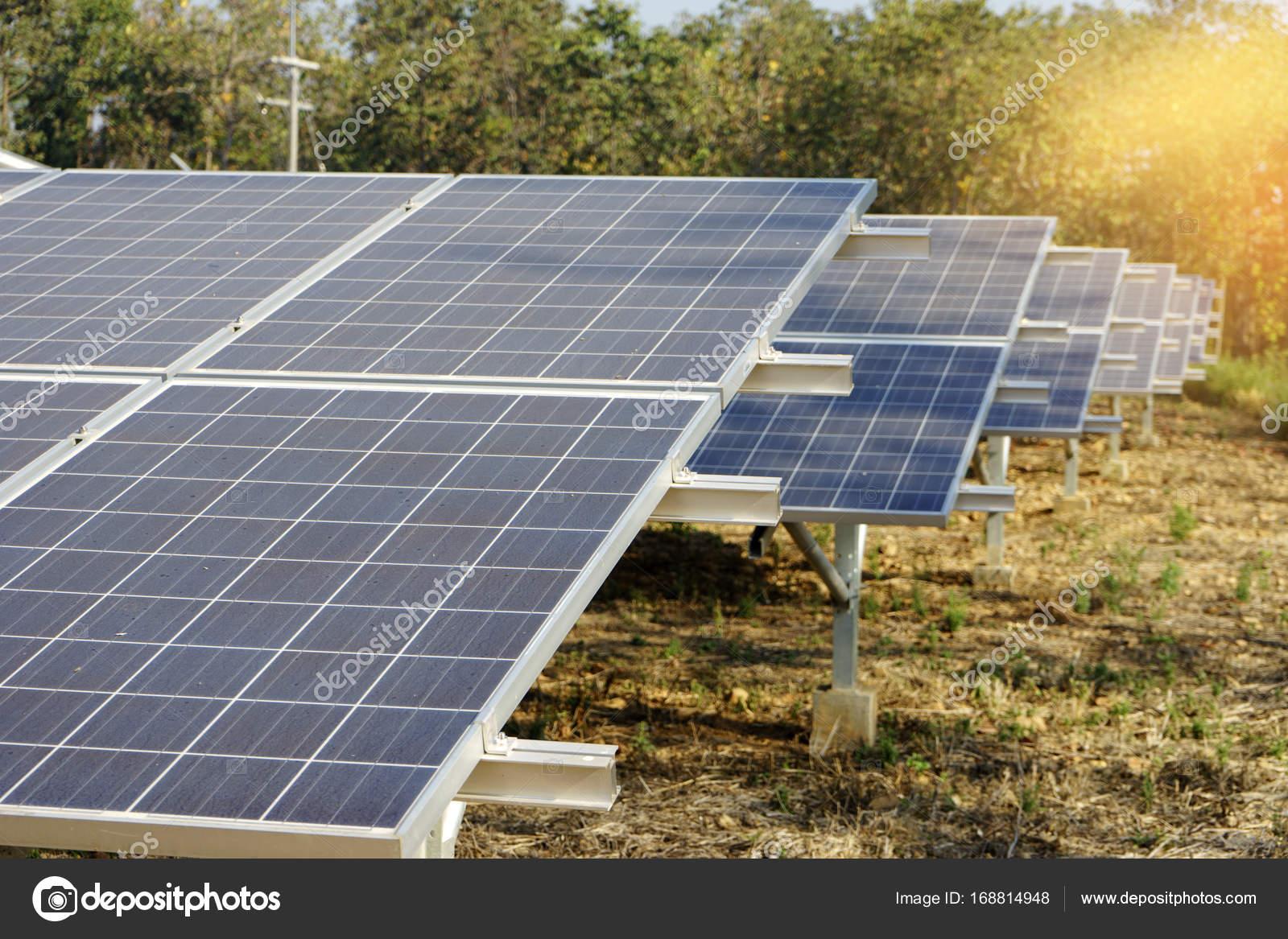Luz con placas solares no todos los hogares o empresas for Puedo poner placas solares en mi casa