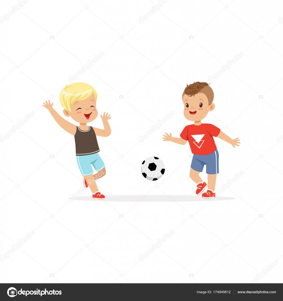 Картинка два мальчика играют в мяч