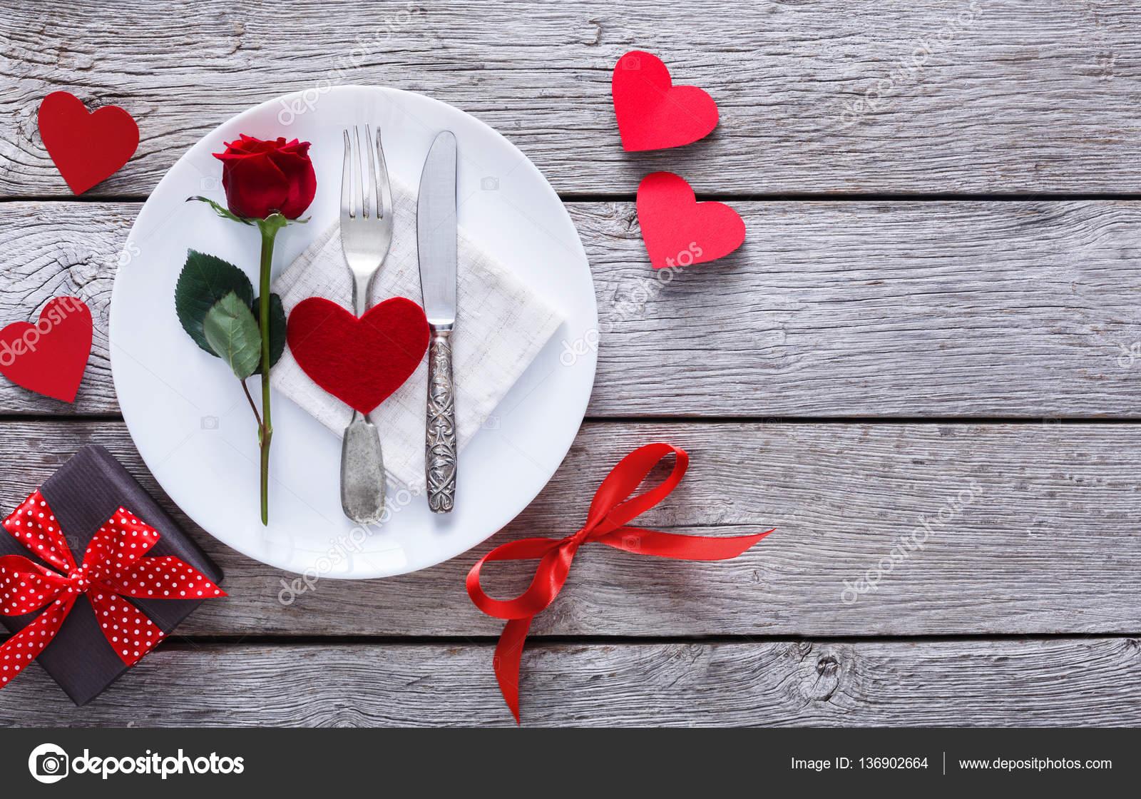 Conceito de jantar romântico. Fundo de proposta ou dia dos