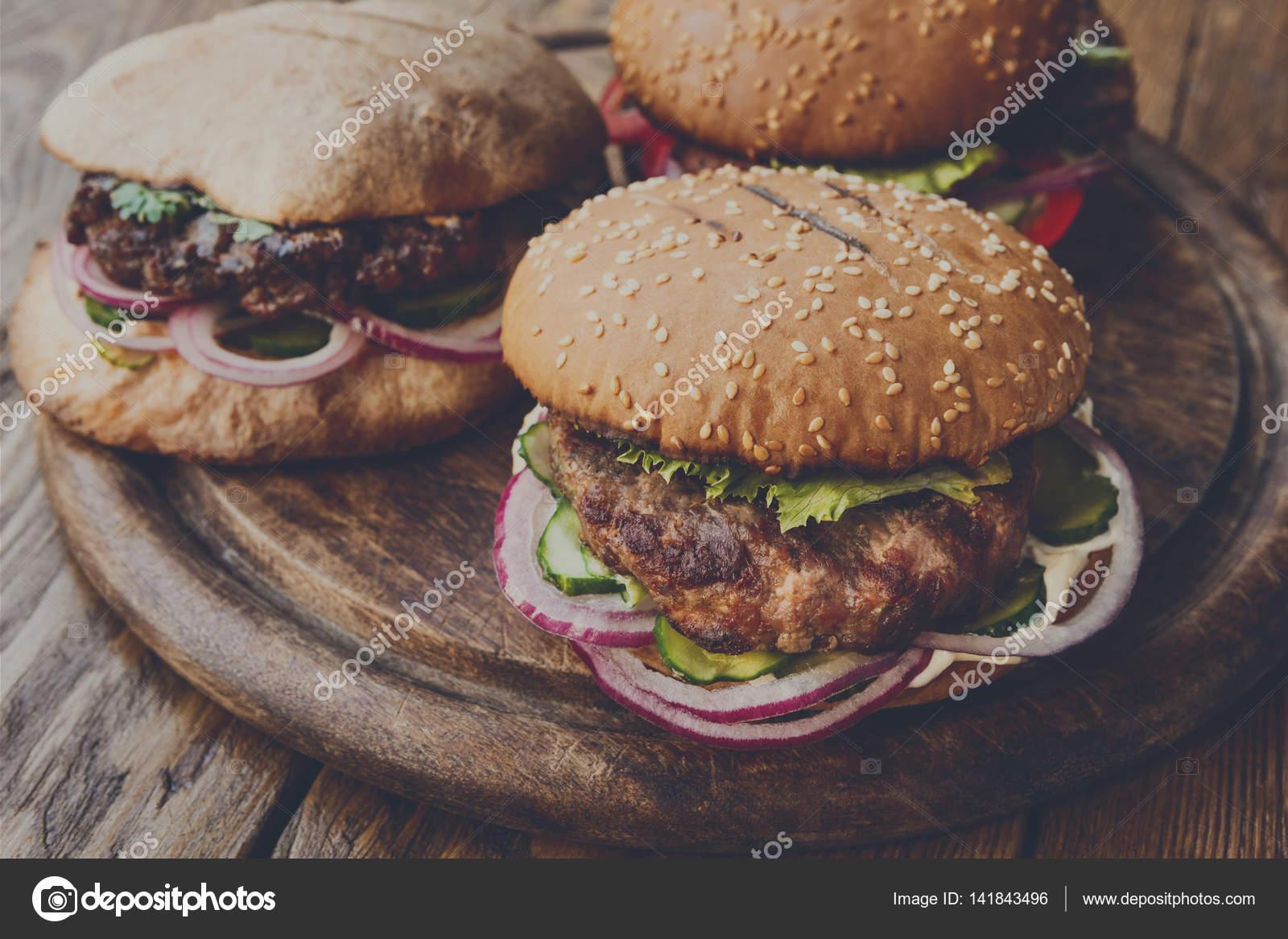 Klassische Amerikanische Burger Fastfood Auf Holz Hintergrund