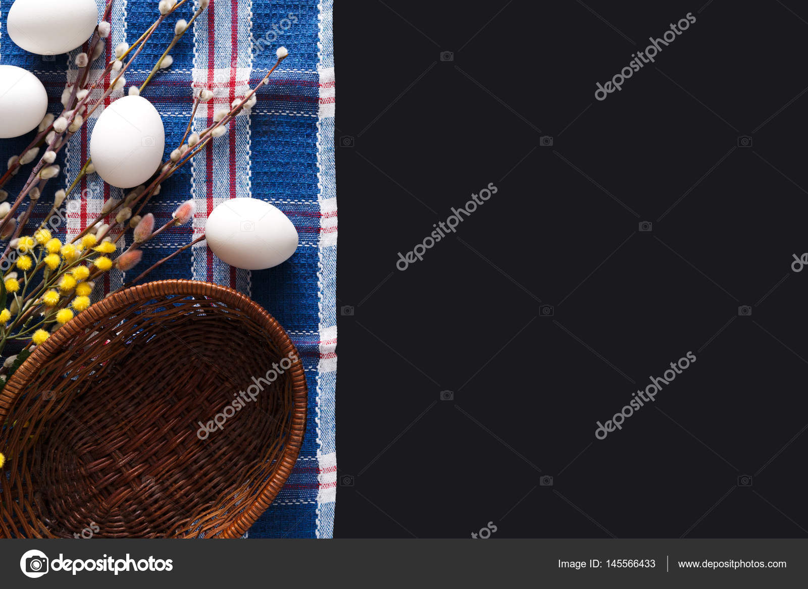 Paskalya Mockup Boyama Siyah Arka Plan üzerine Beyaz Yumurta Stok