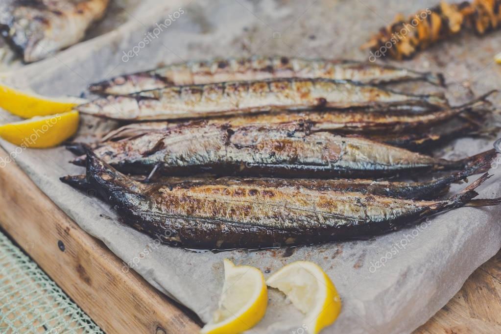 Maquereau poisson grill au bbq photographie milkos 145754037 - Maquereau grille au four ...