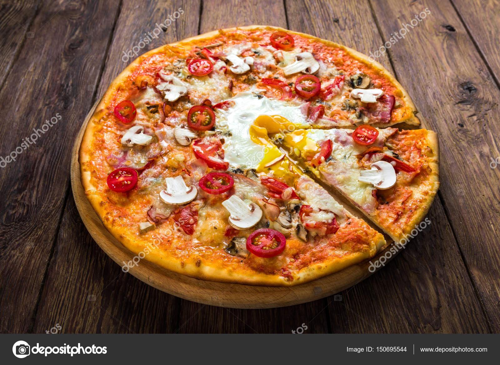 ägg på pizza