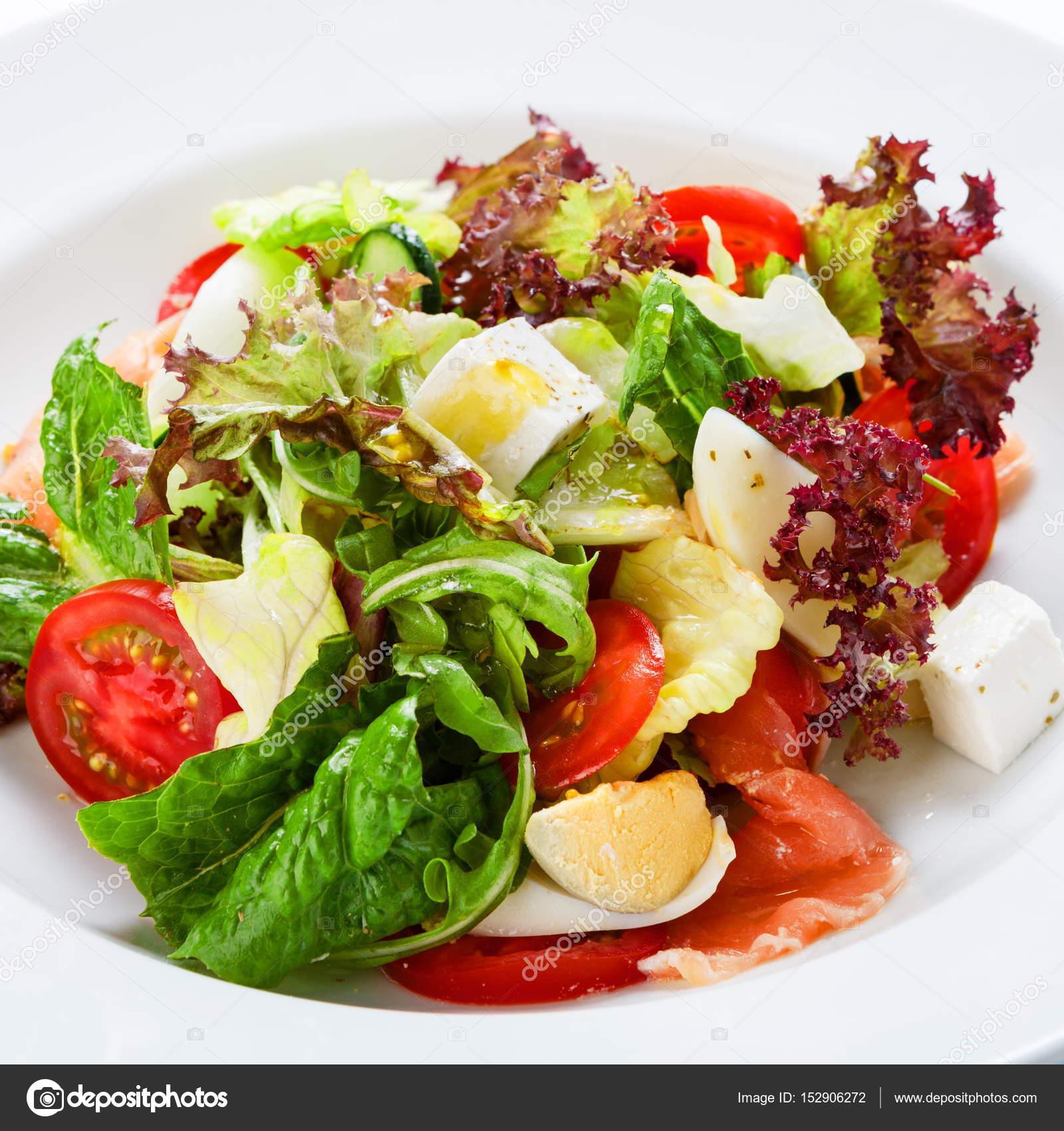 Restauracja Zdrowe Jedzenie Swieze Salatki Z Lososia Zdjecie
