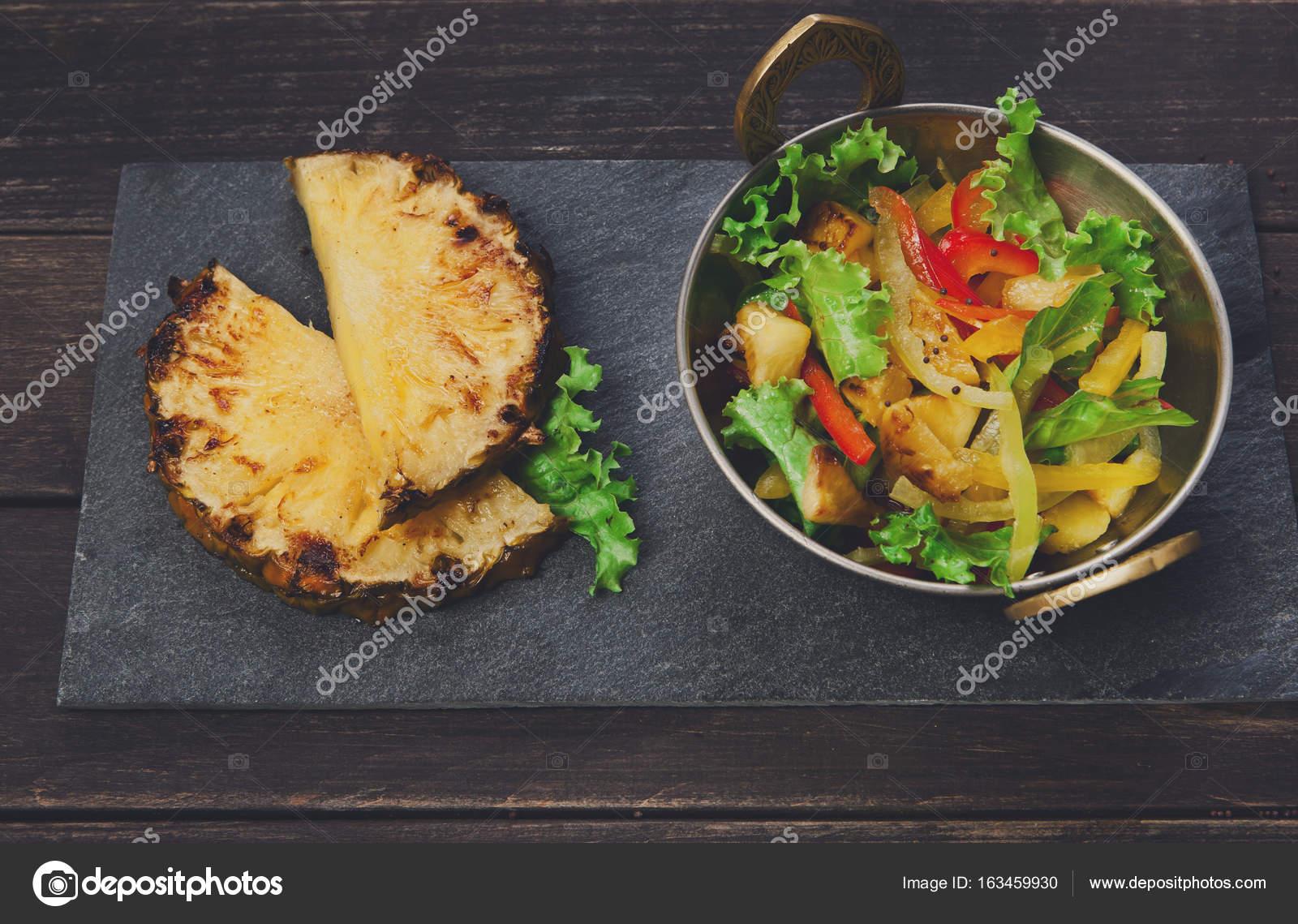 Indische Küche, gesunde vegane und vegetarische Speisen — Stockfoto ...