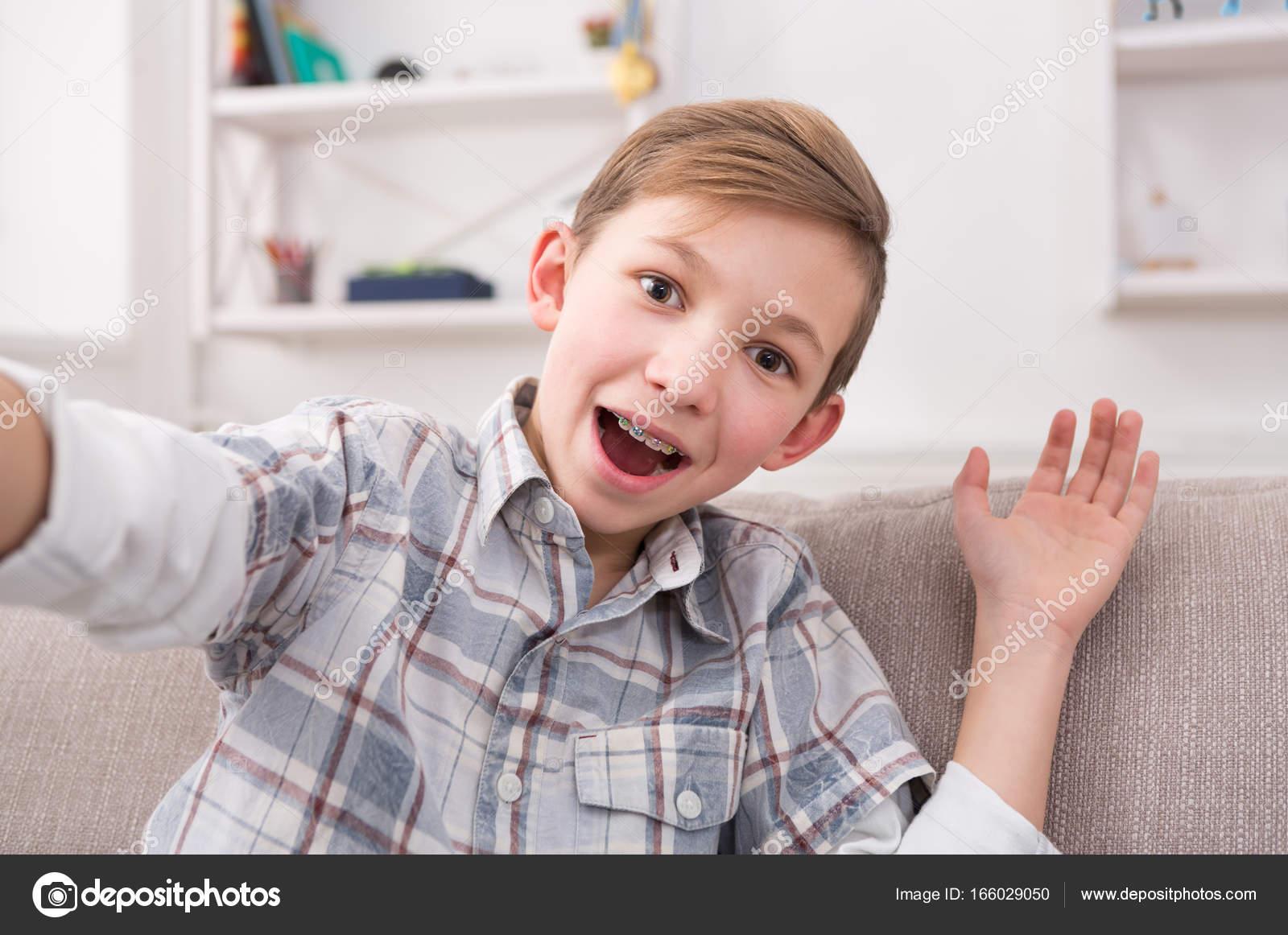 adolescent garçon Guy sexe pipe piscine