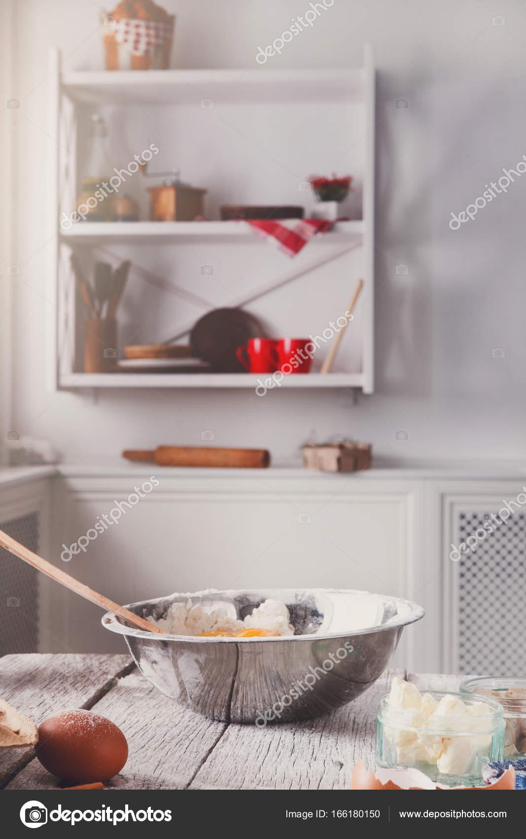 Utensili da cucina, prodotti per la pasta, cottura — Foto Stock ...