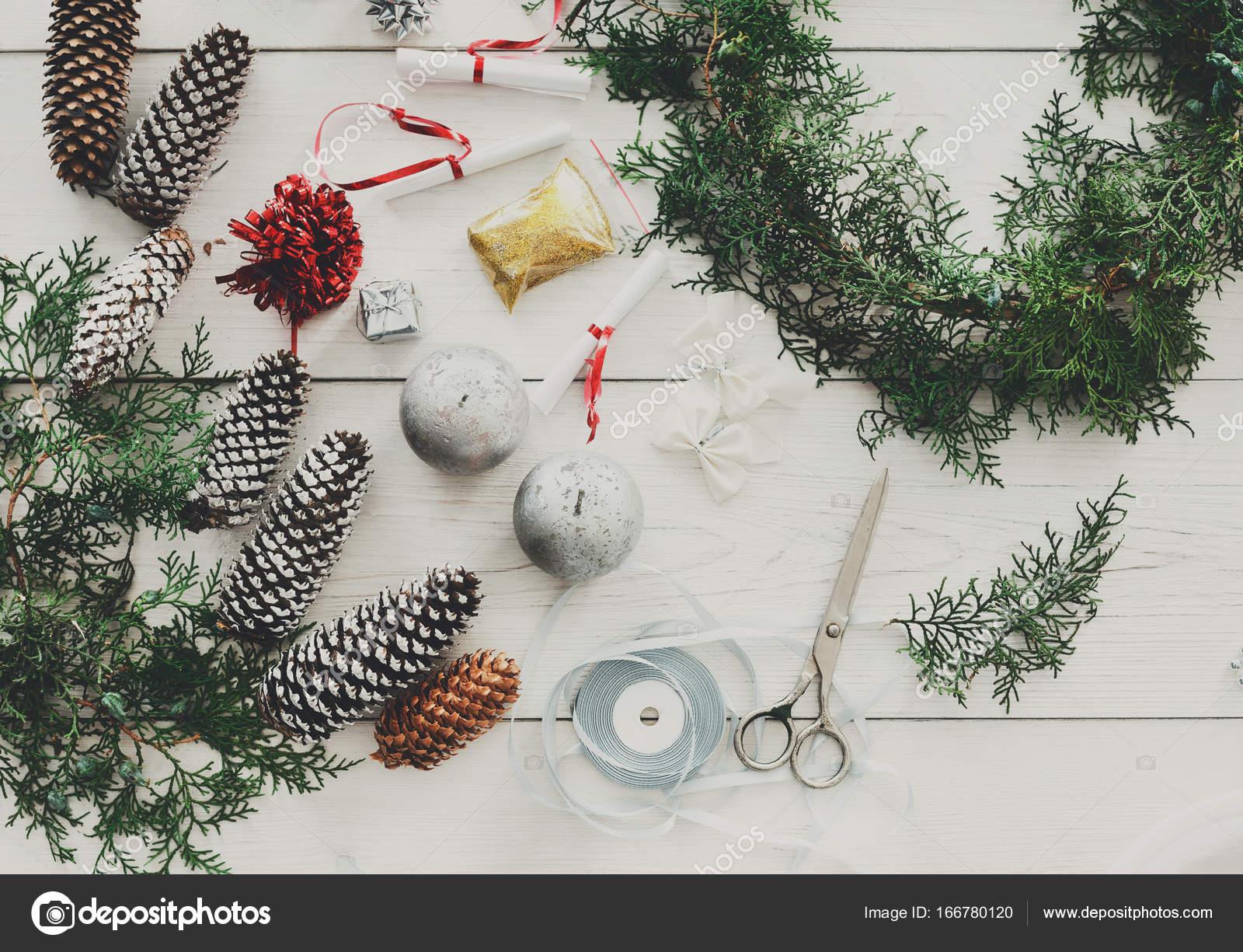 Decorare Tavola Di Natale Fai Da Te : Hobby fai da te creativo garland ornamento e decorazione di
