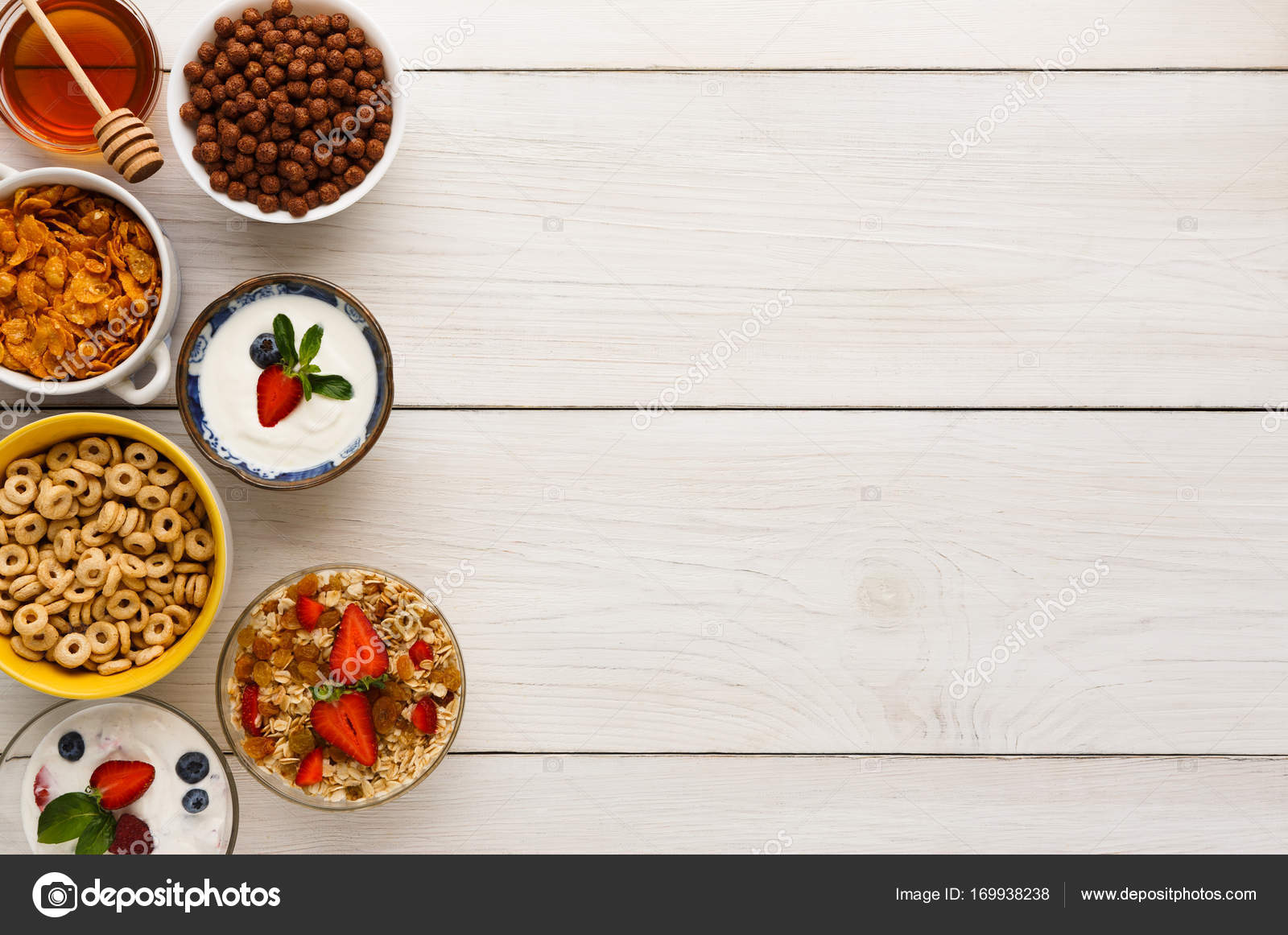 Repas Petit déjeuner sain sur l espace de copie de table en bois — Photo 5ec328118239