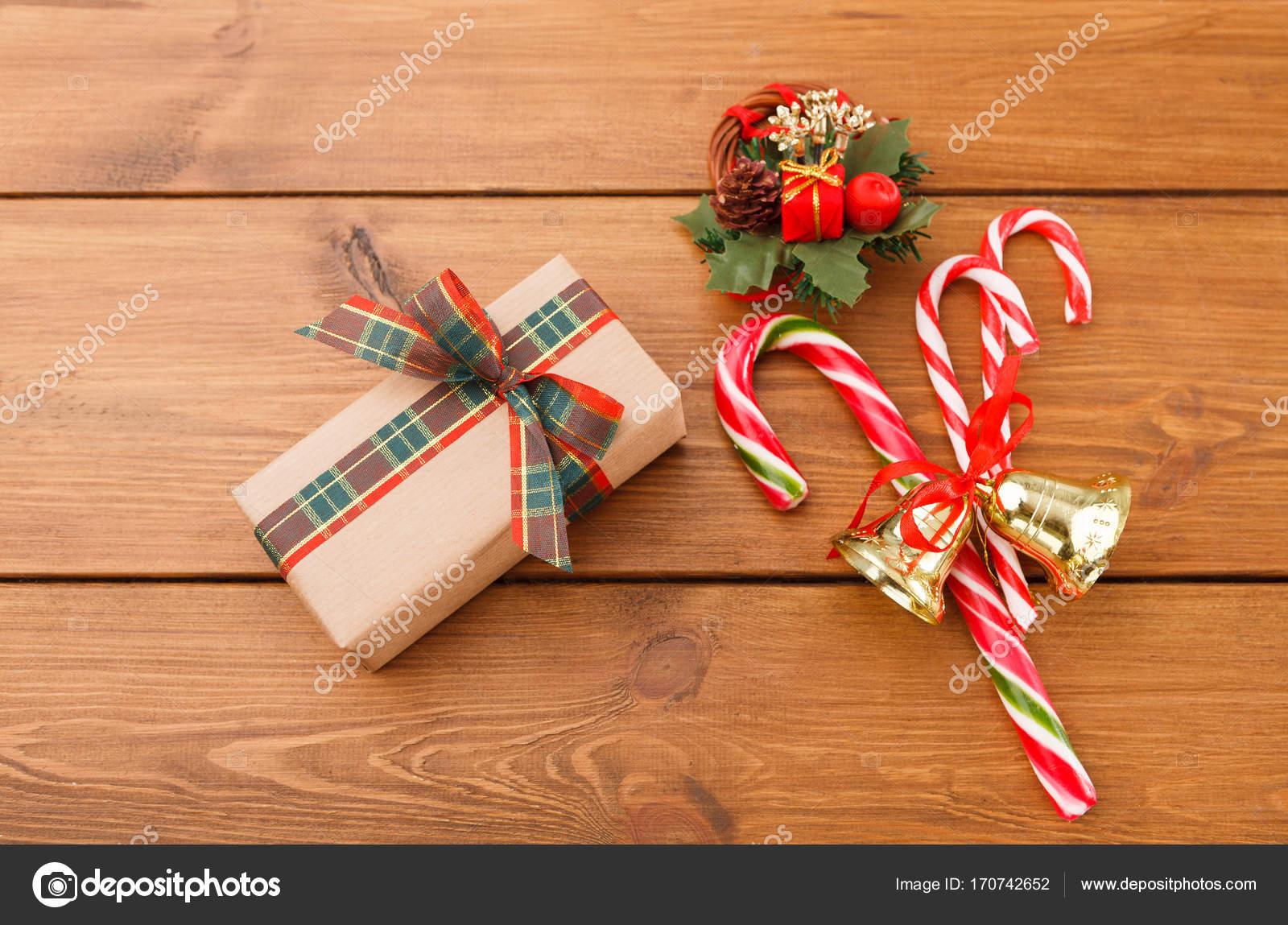 Weihnachtskranz, Geschenk-Box im Handwerk Papier und Weihnachten ...