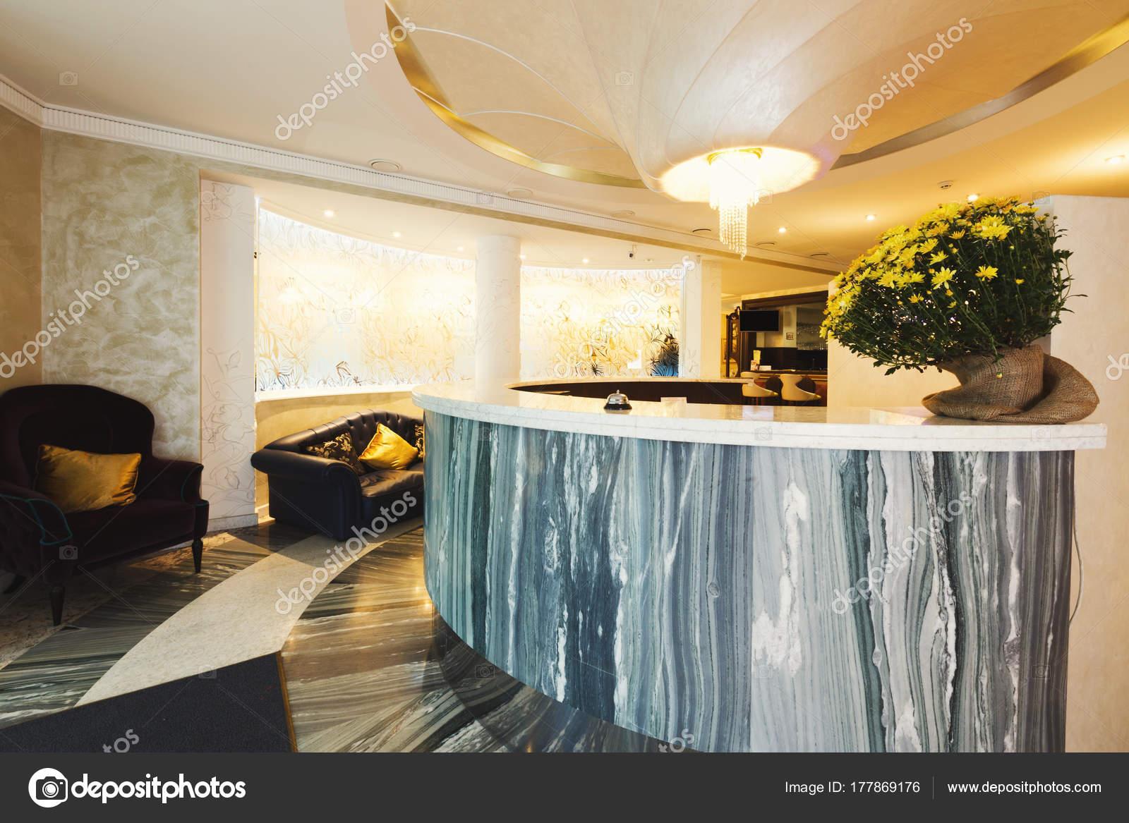 Innenraum der moderne Rezeption — Stockfoto © Milkos #177869176