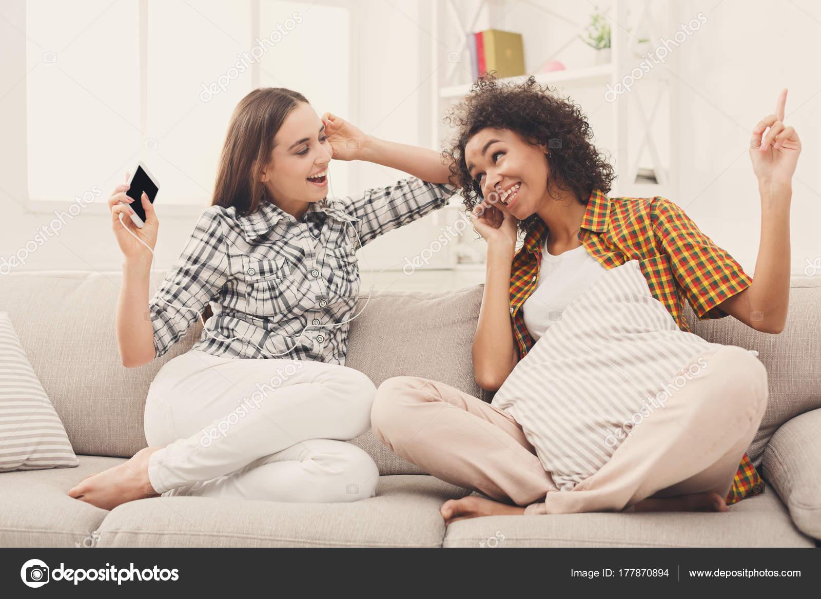 Poslech hudby online dating
