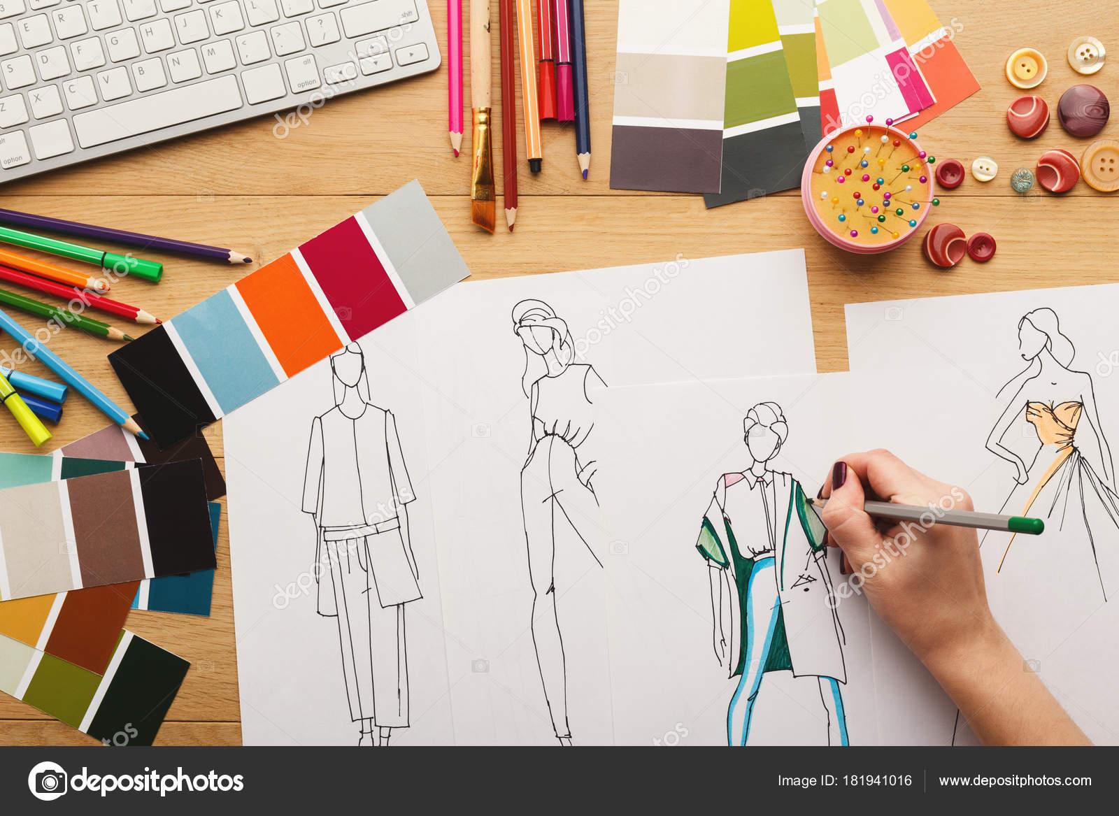 faa1d746c Crear diseños de ropa | Vista superior sobre bocetos de ropa dibujo ...