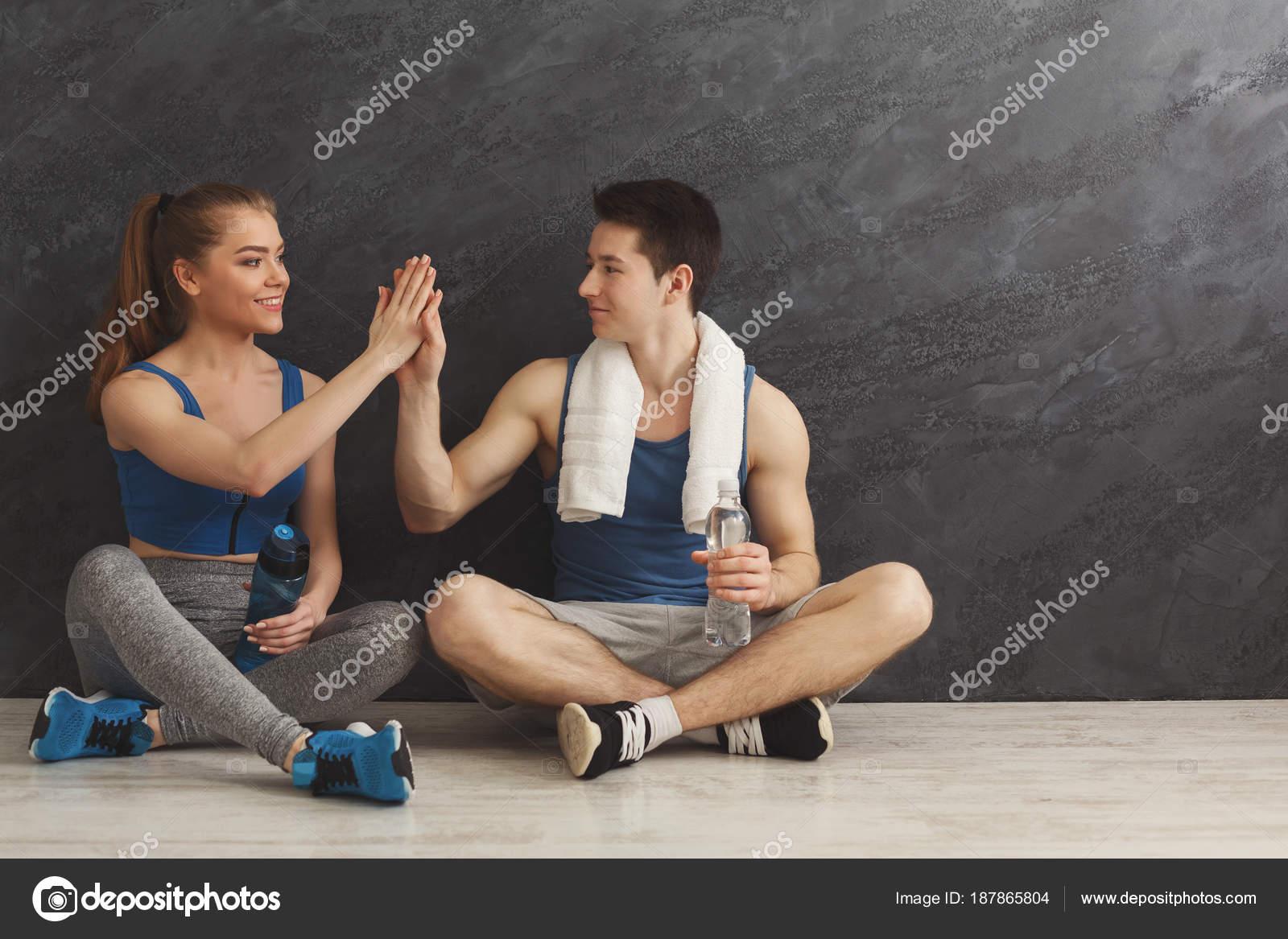 Белой негром лесбийская ли в тренажерном зале мужчина женщина