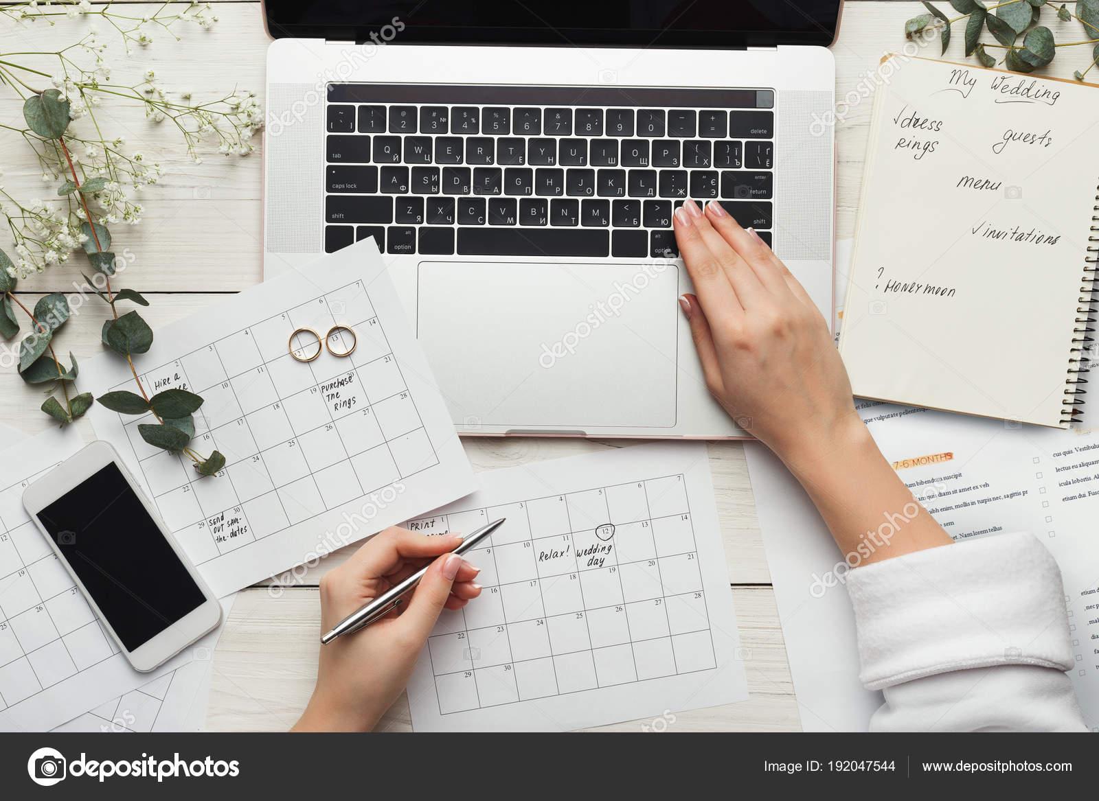 Resultado de imagen de manos de novia ordenador
