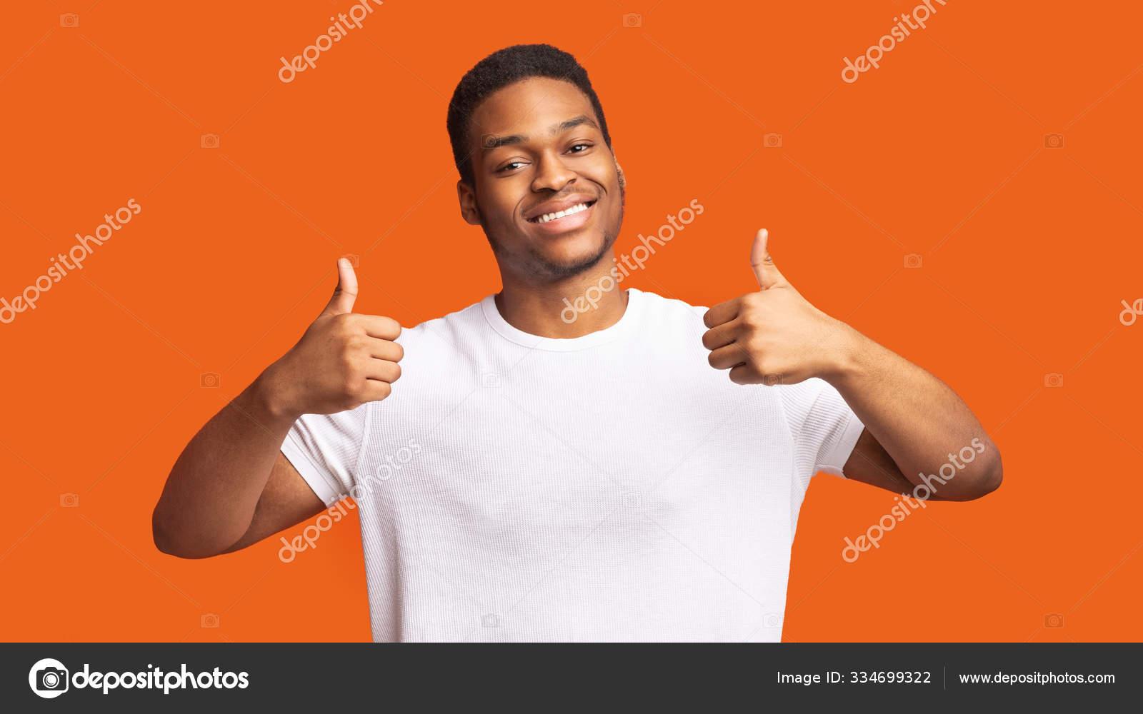 Schwarzer Mann Mag Es Haarig
