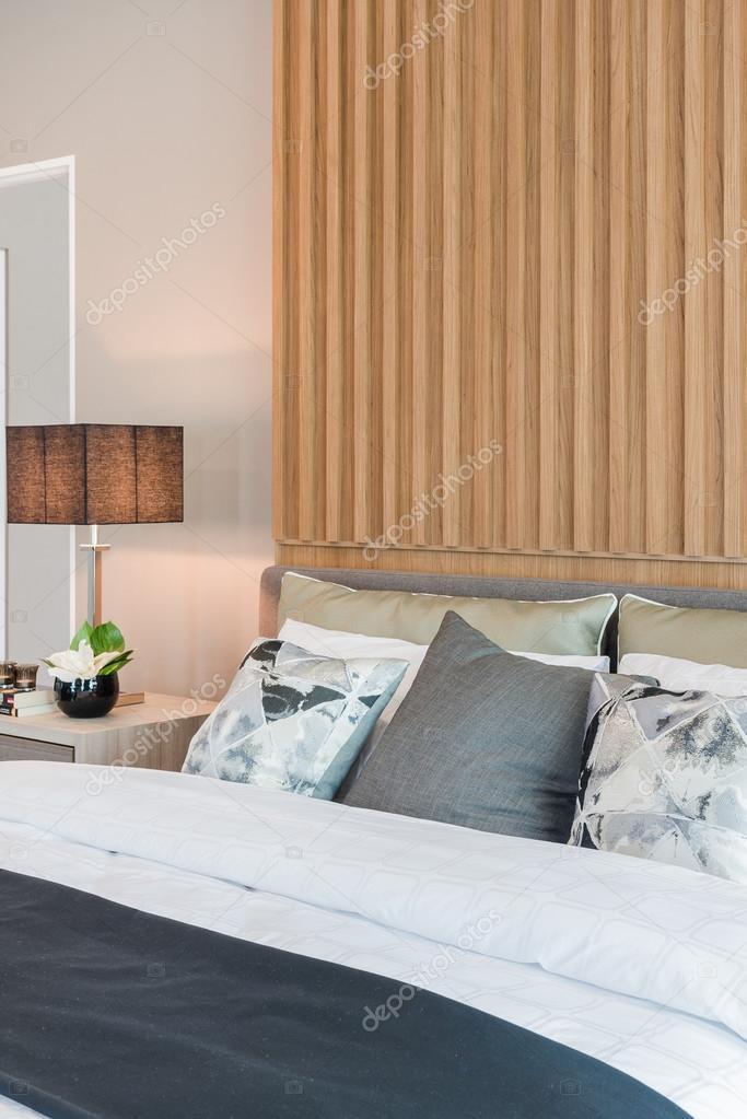 conception de chambres modernes avec panneau en bois décoré ...
