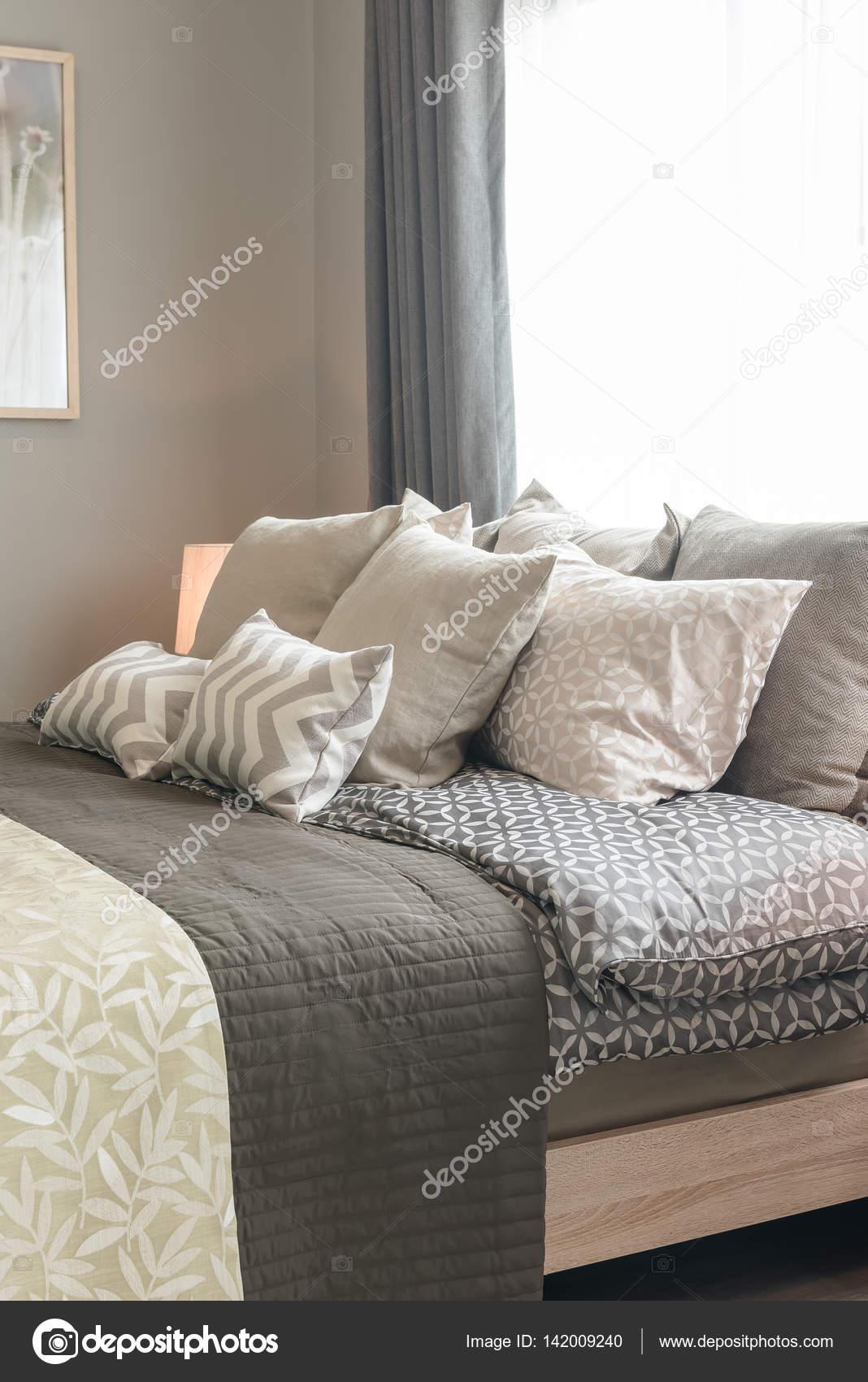 stor kudde säng
