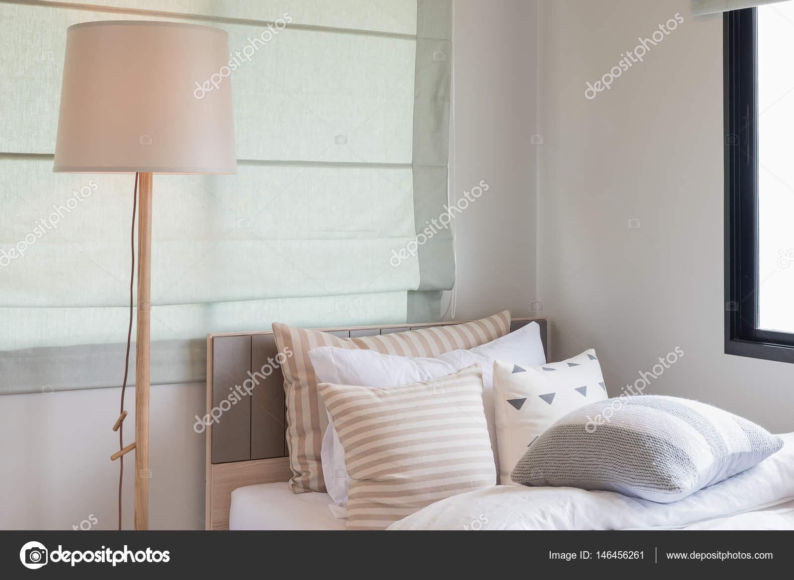 hölzerne moderne Lampen-Design im modernen Schlafzimmer ...
