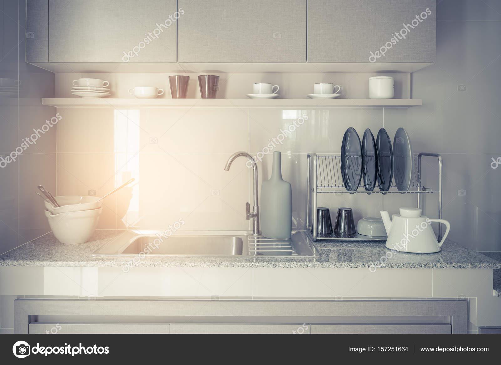 fregadero de acero inoxidable con grifería de cocina — Foto de stock ...