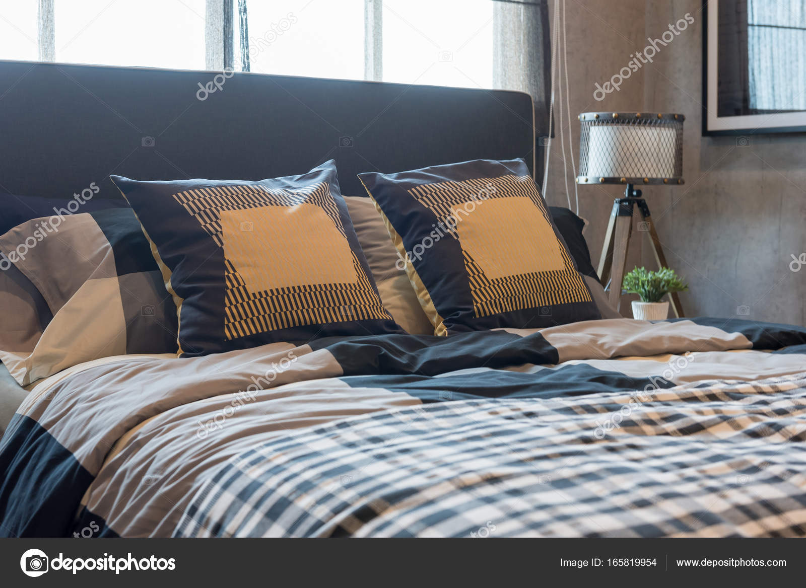 Moderne slaapkamer stijl u2014 stockfoto © khongkitwiriyachan #165819954