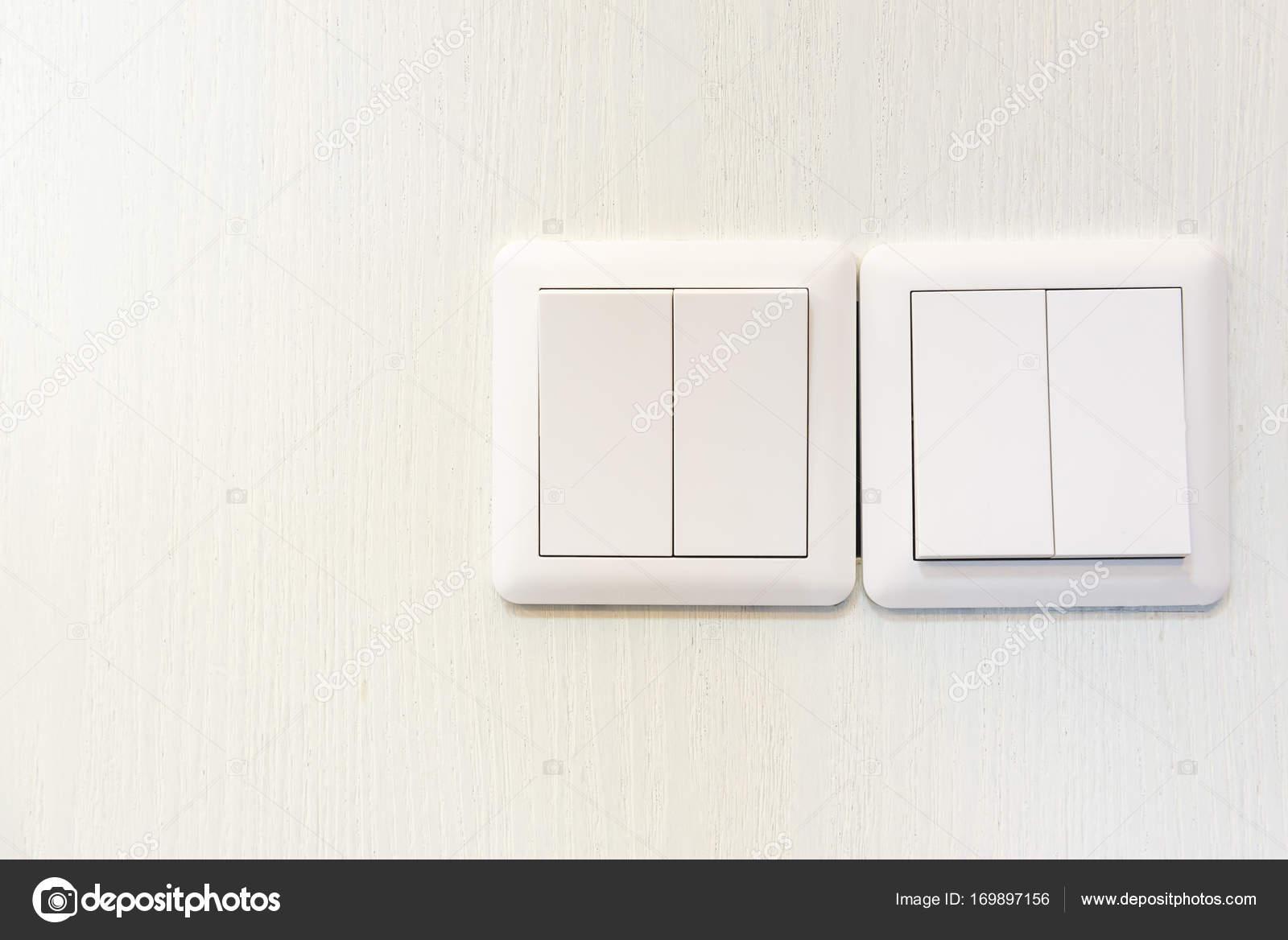 Weißen elektrische Schalter an Wand — Stockfoto © khongkitwiriyachan ...