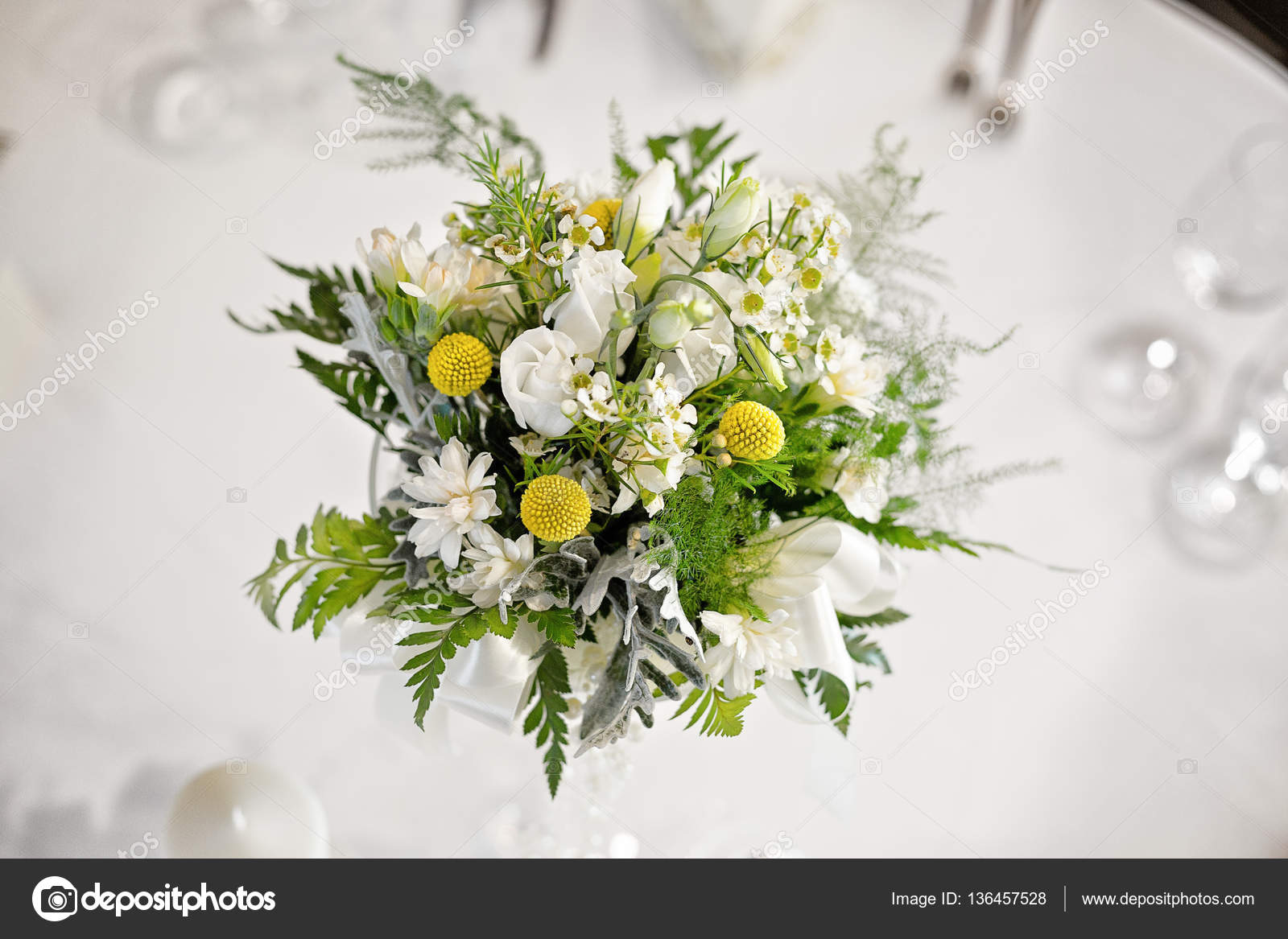 White Wedding Table Flower Center Piece Stock Photo Victoriasky1