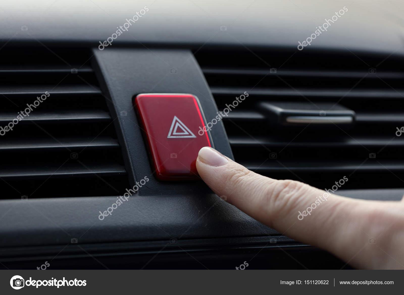 Auto Notfall Leuchtet Die Taste Am Cockpit Dashboard Stockfoto