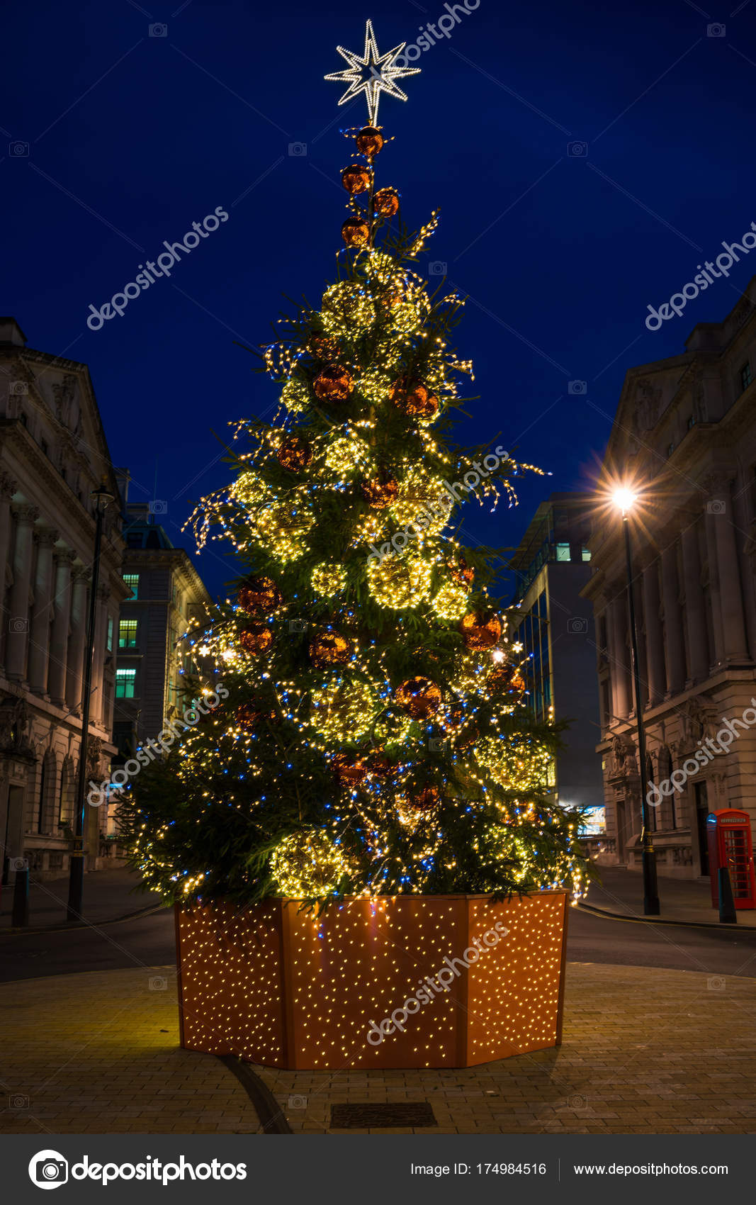 England Christmas Tree.Christmas Tree On Waterloo Place In London England Stock