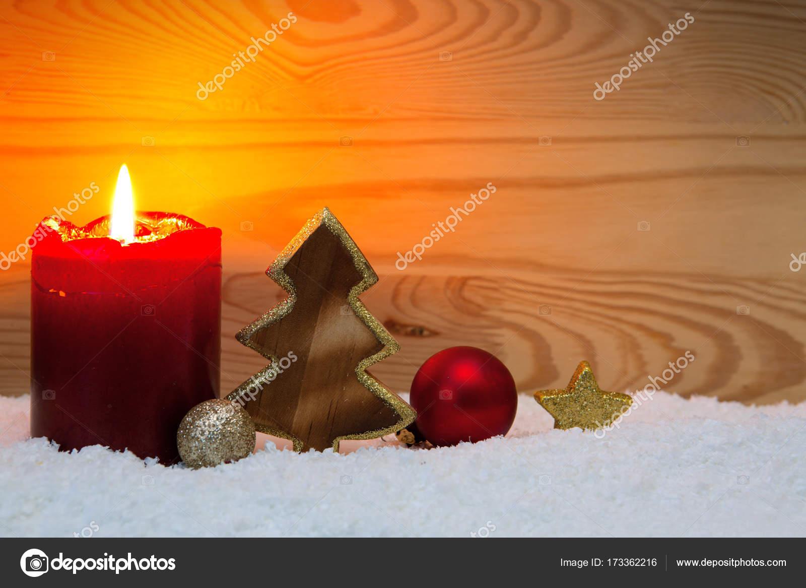 Weihnachtsbaum dekoration und advent kerze stockfoto - Dekoration advent ...