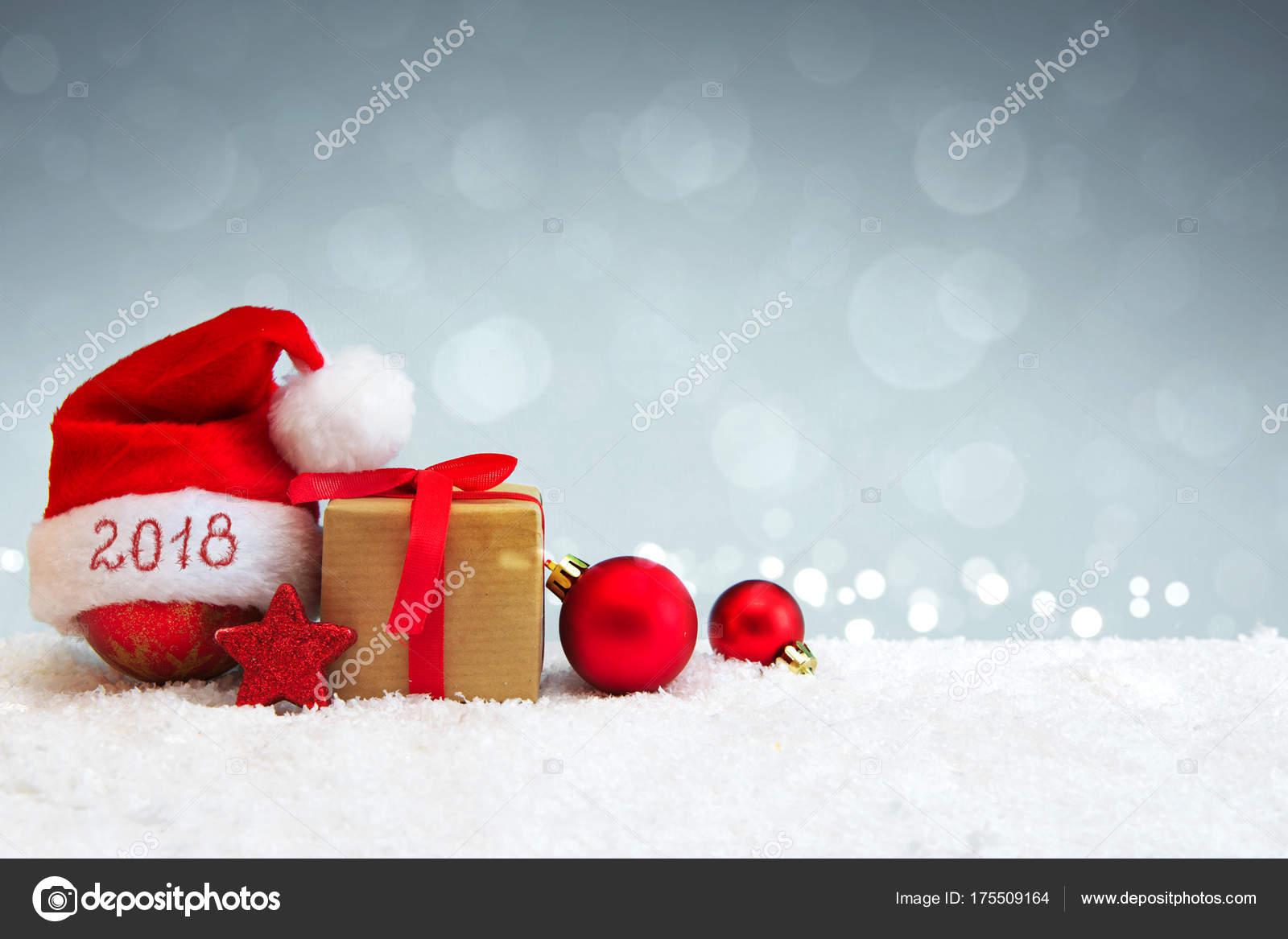 noel 2018 reveillon Fundo de 2018 Reveillon feliz chapéu de Papai Noel — Stock  noel 2018 reveillon