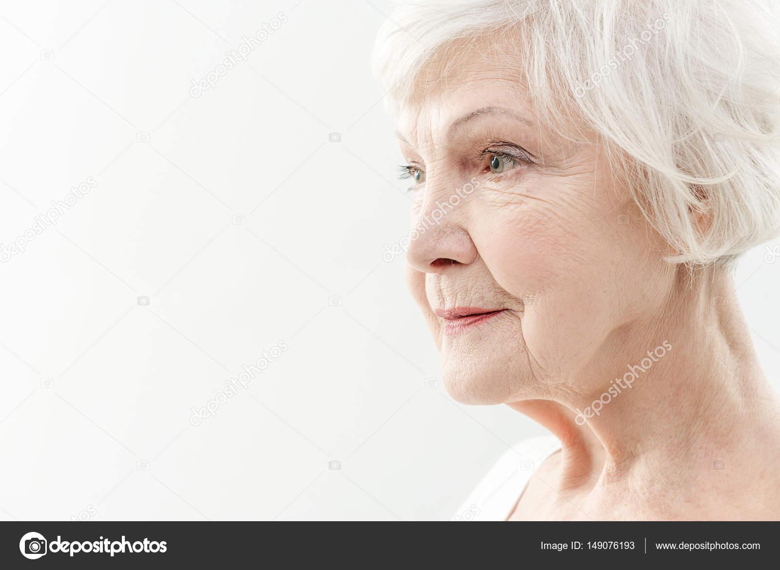 Faltige alte Dame