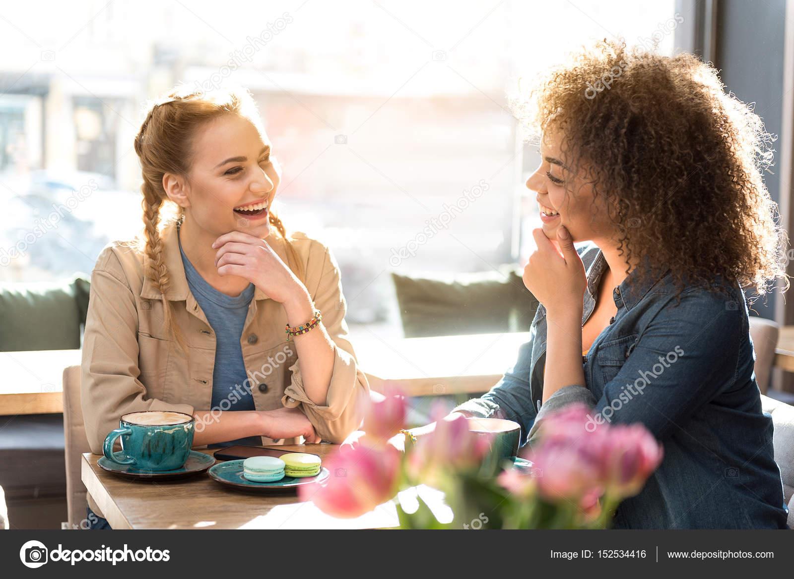 Międzyrasowy randki asian czarny