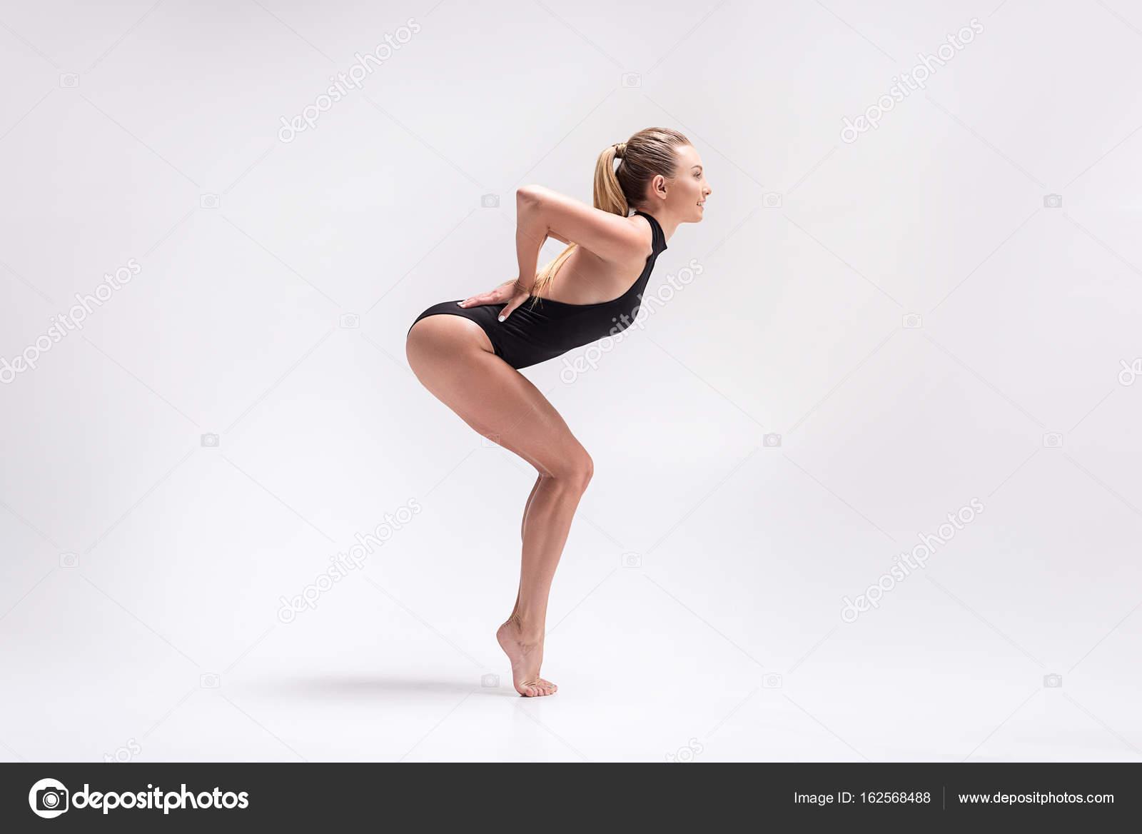 foto-gimnastki-v-obtyazhku-devushki-vaginu-porno