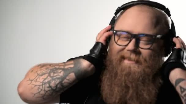Толстый парень видео, смотреть порно с лекси лав