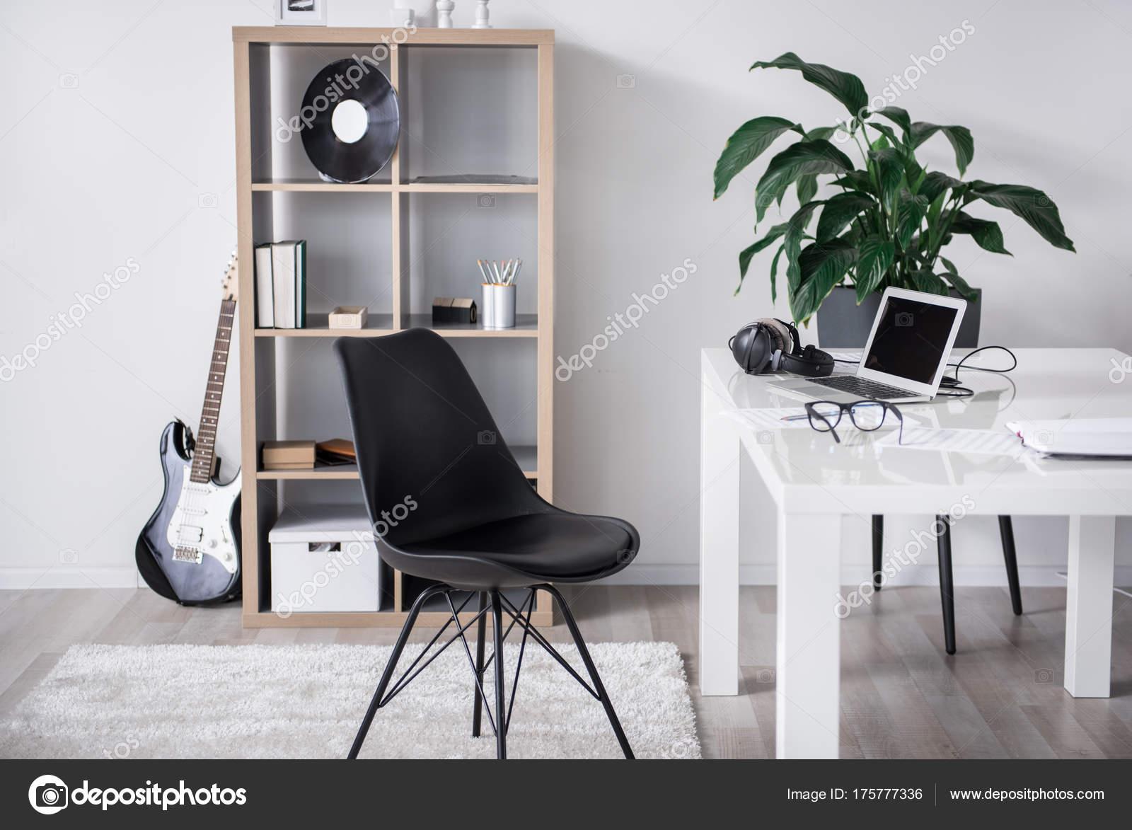 Ufficio Per Musica : Ufficio accogliente per un amante di musica vera u foto stock