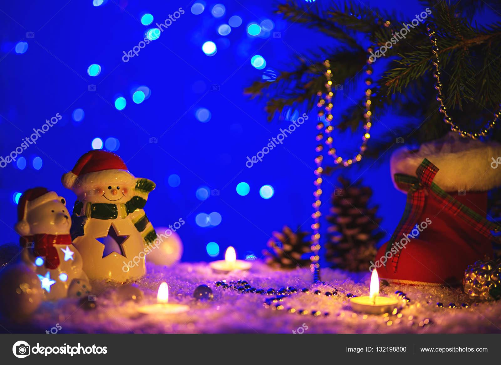 Cartolina Dauguri Di Natale Con Figure Di Natale Foto Stock