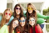 Fotografie Freundeskreis Teen mit Brille