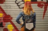 Fotografie Frau mit bunten Haaren