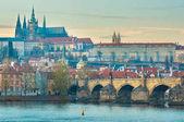 pohled na Pražský hrad a Carles most