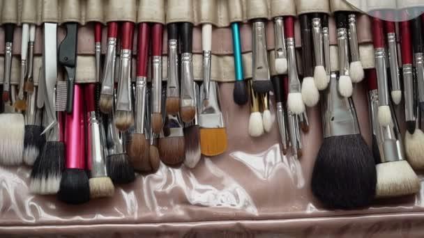Profesionální make-up kartáče