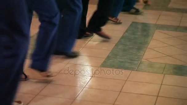 People dancing synchronous