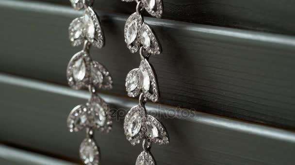 Krásné šperky náušnice