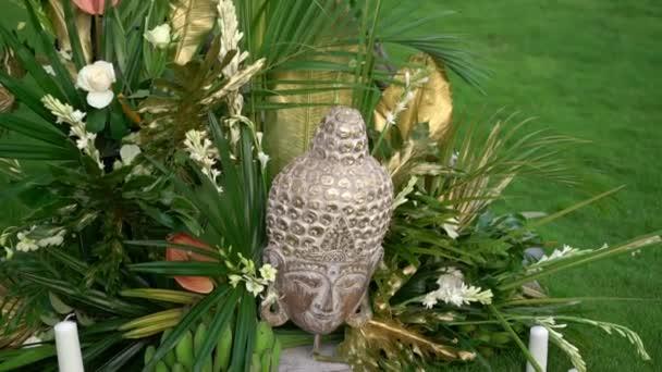 Buddha szobor és dekoráció