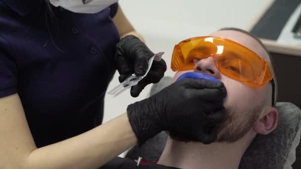 Zahnarzt Bleaching Zähne für Patienten