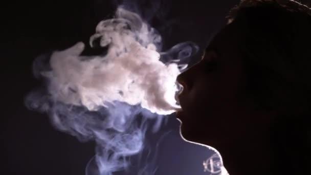 Woman Smoking Hookah Stock Videos Royalty Free Woman Smoking Hookah Footages Depositphotos